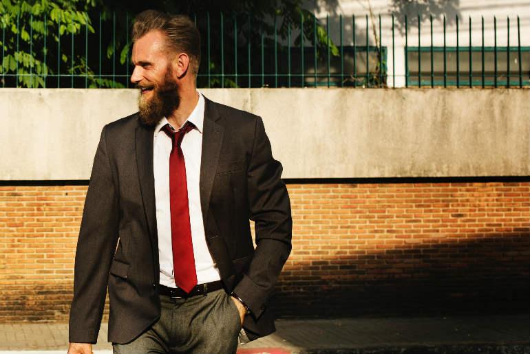 lungimea corecta a cravatei, lungimea cravatei, care este lungimea corecta a cravatei