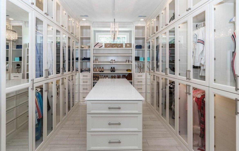 Smart shopping, smart fitting și organizarea garderobei